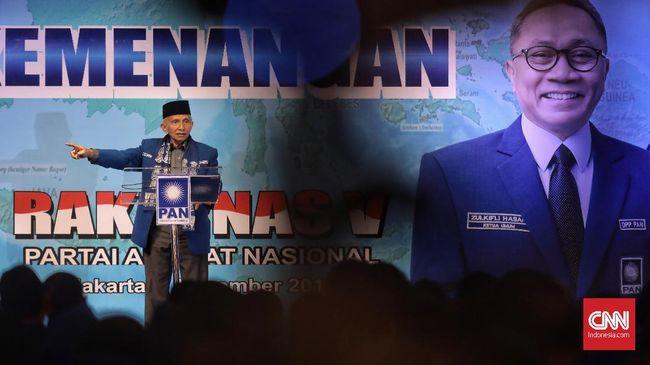 Dalam Rakernas PAN, Amien Rais menyindir Zukifli Hasan yang pernah menyatakan dukungan tanpa syarat kepada Jokowi pada Juli lalu.