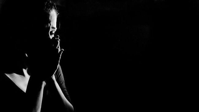 Depresi bukan sekadar sedih atau tertekan dalam waktu lama, tapi juga mengakibatkan gangguan kesehatan lain. Berikut gangguan yang mungkin muncul saat depresi.