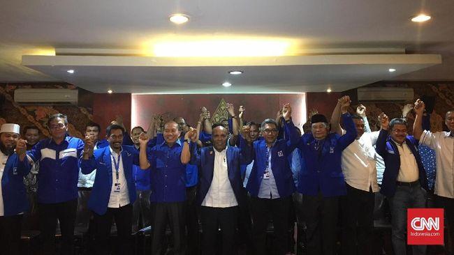 Dalam jumpa pers usai Rakernas PAN, 30 DPW PAN menyatakan dukungannya kepada Zulkifli Hasan untuk kembali menjadi Ketua Umum parpol itu.