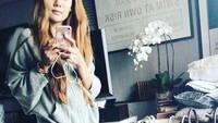 <p>Wanita yang dikabarkan berasal dari Kediri ini mengunggah beberapa barang mewah di media sosial. Misalnya, tas-tas dengan merek ternama dan harga selangit. (Foto: Instagram)</p>