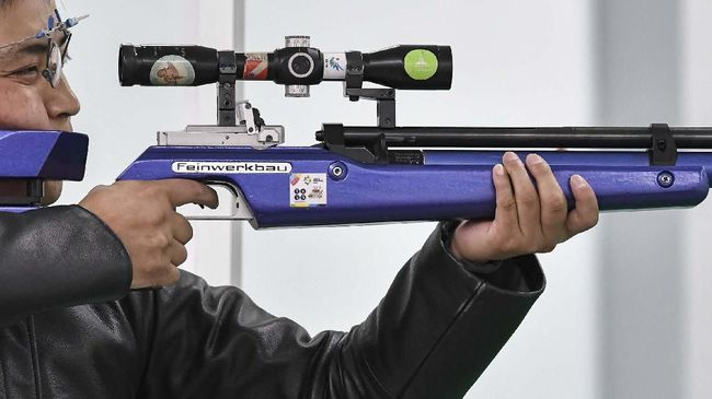 Cabang olahraga menembak menjadi peraih medali emas pertama bagi kontingen Indonesia pada hari ini, Minggu (8/12), lewat Ahmad Rifqi Mukhlisin.