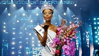 <p>Tunzi mewakili Afrika Selatan setelah menang dalam kontes Miss South Afrika 2019. (Foto: Instagram @zozitunzi)</p>