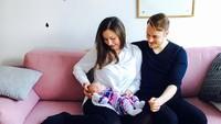 Wanita berusia 34 tahun ini merupakan bunda satu anak. Sedangkan kariernya mulai bersinar setelah bergabung menjadi anggota sebuah partai besar di Finlandia. (Foto: Instagram @sannamarin)