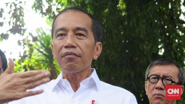 Jokowi mewajibkan pengusaha perdagangan jasa untuk didukung tenaga teknis yang kompeten.