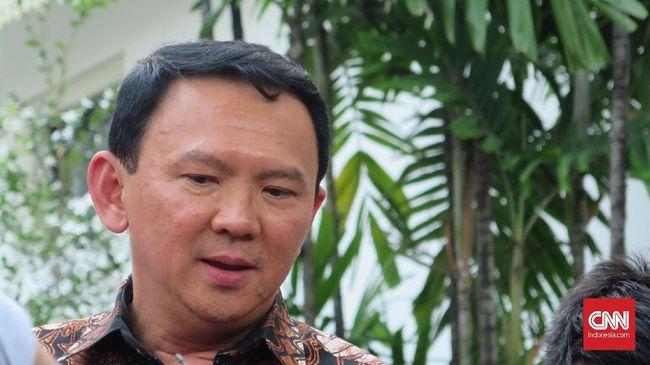 Netizen ramai bahas soal usulan Ahok untuk menghapus kartu kredit para pejabat Pertamina yang mencapai limit hingga Rp30 juta.