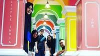 <p>Beberapa waktu lalu, Denny memboyong keluarganya jalan-jalan ke Malaysia. (Foto: Instagram @dennych)</p>