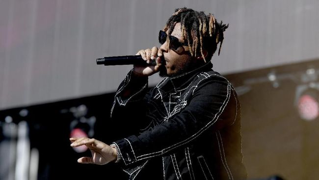 LAS VEGAS, NEVADA - SEPTEMBER 21: Juice Wrld performs onstage during the 2019 iHeartRadio Music Festival and Daytime Stage at the Las Vegas Festival Grounds on September 21, 2019 in Las Vegas, Nevada.   Bryan Steffy/Getty Images/AFP