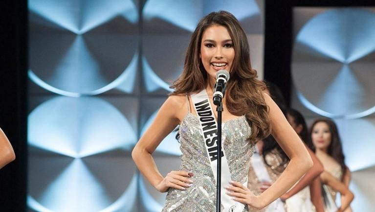 Frederika Alexis Cull berhasil mencetak sejarah baru yang membanggakan saat mengikuti ajang Miss Universe 2019. Frederica Cull adalah Puteri Indonesia pertama yang berhasil masuk 10 besar Miss Universe.