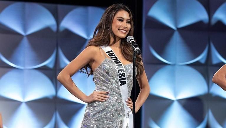Meski langkahnya terhenti di 10 besar, prestasi Frederika Alexis tetap membuat bangga masyarakat Indonesia. Frederika mengucapkan terima kasih kepada semua yang membantu dan mendukungnya di ajang Miss Universe 2019.