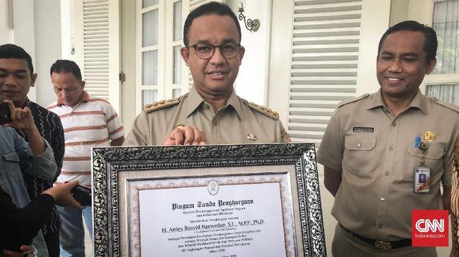 Gubernur DKI Anies Baswedan menyebut penghargaan antikorupsi yang diraihnya bukan hanya sekadar inovasi layanan, tetapi juga karena komitmen pemimpinnya.
