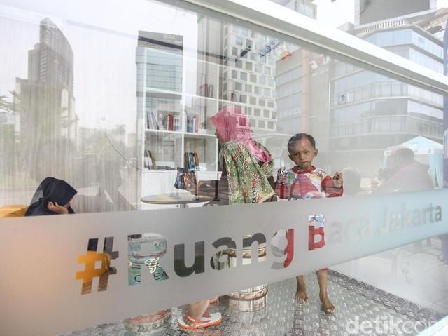 Santai Sejenak di Ruang Baca Jakarta