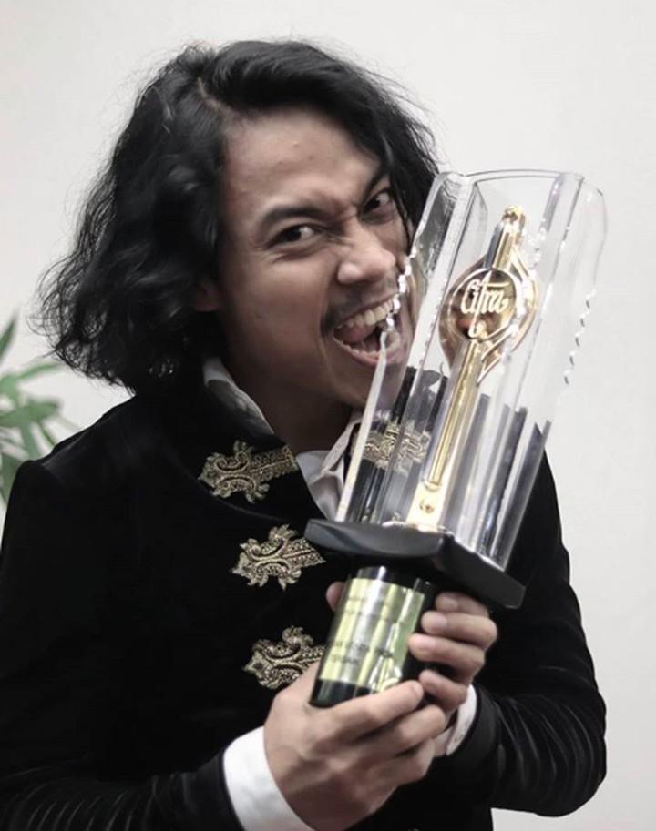 <p>Muhammad Khan jadi salah satu pemenang Festival Film Indonesia (FFI) 2019 sebagai aktor utama terbaik. (Foto: Instagram/ @muhammad.khan_) </p>