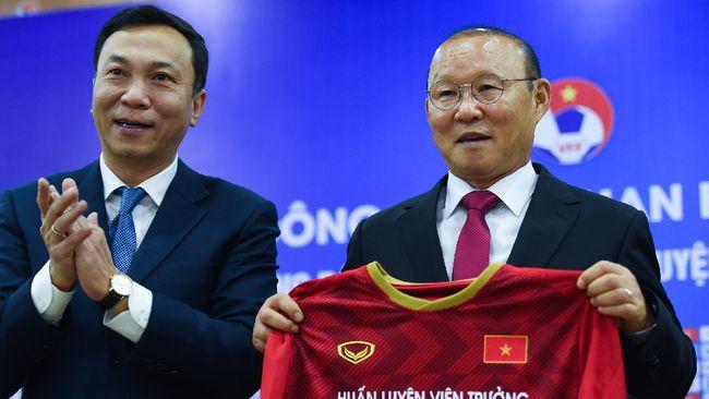 Park Hang Seo sempat berpikir memutuskan pensiun dari sepak bola. Pelatih 60 tahun itu kini malah kembali jadi pahlawan Vietnam.