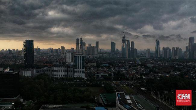 BMKG memprakirakan hujan intensitas lebat akan mengguyur Jakbar, Jakpus, Jakut dan Kepulauan Seribu jelang siang. Sementara Jaksel-Jaktim dilanda hujan sedang.