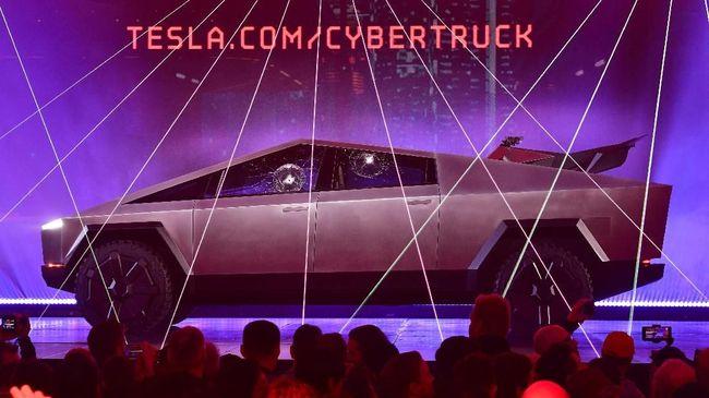 Tesla Cybertruck sudah bisa dipesan calon konsumennya di Indonesia.