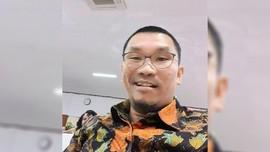 Komedian Mongol Stres Daftar Cawalkot Manado lewat NasDem