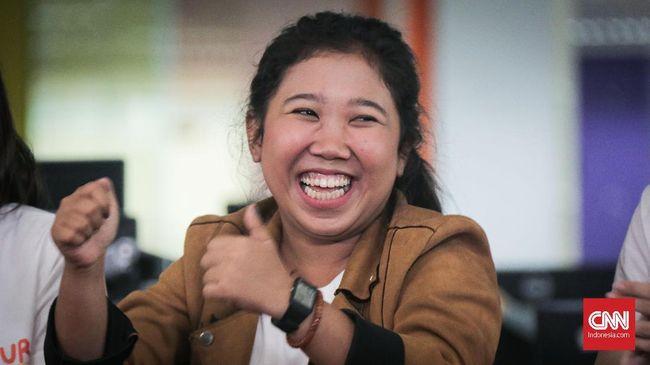 Komika Kiky melancarkan roasting ke Menteri BUMN Erick Thohir dan menyinggung soal Jokowi tiga periode.