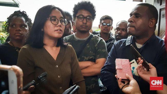 Aktivis Papua akan melaporkan hakim tunggal praperadilan Agus Widodo ke Bawas MA karena dinilai bias dalam memutus praperadilan.