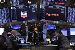 Dow Jones Dibuka Melompat 300 Poin Sambut Transisi Politik AS