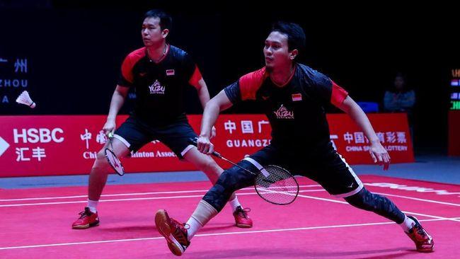 Mohammad Ahsan/Hendra Setiawan juara BWF World Tour Finals 2019 usai menekuk Hiroyuki Endo/Yuta Watanabe pada laga final di Guangzhou, China, Minggu (15/12).