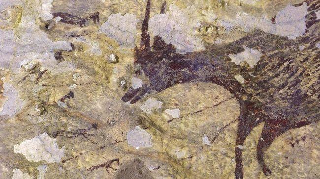 Lukisan bercerita adegan sekelompok figur setengah manusia dan hewan berusia 44 ribu tahun ditemukan di Gua Leang Bulu Sipong 4, Makassar.