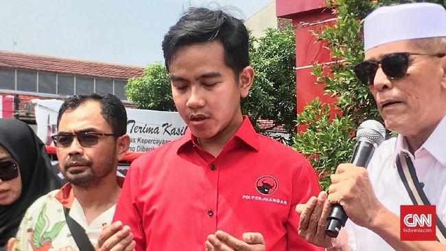 Gibran Rakabuming tak mempersoalkan dirinya tak diundang di Rakernas PDIP. Terkait rekomendasi Pilkada Solo, Gibran ikuti Megawati.