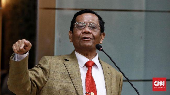 Menko Polhukam Mahfud MD menyebut Benny Wenda telah melakukan makar dan meminta polri untuk menindak hukum.