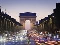 Tekan Penyebaran Covid-19, Macron Terapkan Jam Malam di Paris