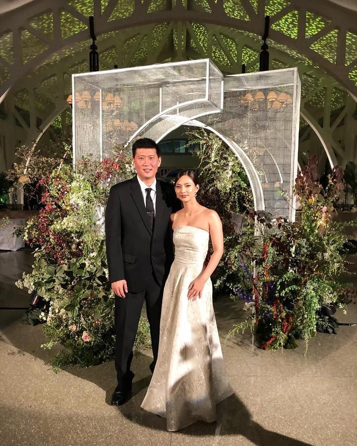 <p>Nadia Saphira hari ini (12/12/2019) resmi menikah dengan Mikael Mirdad. Pernikahan mereka berlangsung di Hotel Dharmawangsa, Jakarta Selatan. (Foto: Instagram @nadsap)</p>