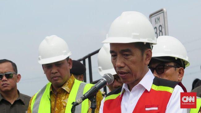 Presiden Jokowi menyebut penyelesaian pembangunan RS Darurat Penanganan Covid-19 di Pulau Galang, melenceng 3-4 hari dari target karena masalah cuaca.