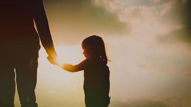 Remaja di Sumsel putus asa akibat kelainan genetik berupa kulit yang melepuh bila terkena sinar matahari, sementara orang tuanya tak punya biaya pengobatan.
