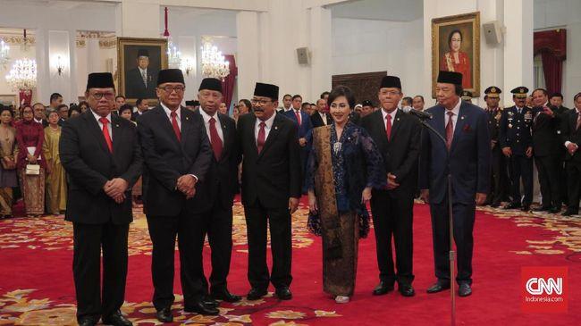 Presiden Joko Widodo resmi melantik sembilan Anggota Wantimpres di Istana Negara, Jumat (13/12) siang