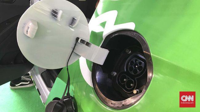 Produsen otomotif masih menanti janji pemerintah yang belum menuntaskan aturan turunan kendaraan listrik.