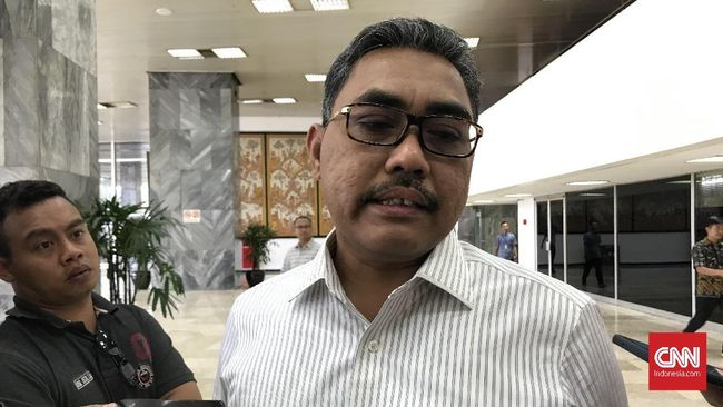 Wakil Ketua Umum PKB Jazilul Fawaid mengkritik absennya pelibatan pakar dari kalangan akademisi dan aktivis dalam tim kajian UU ITE bentukan Menko Polhukam.