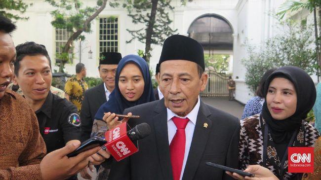 Habib Luthfi bin Yahya menunda kegiatan maulid akbar di Kanzus Sholawat, Pekalongan, dengan alasan pandemi Covid-19 masih mewabah di Indonesia.