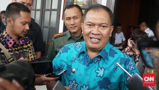 Wali Kota Bandung Oded M. Danial mengimbau warga luar kota tidak datang ke daerahnya apabila tak ada urusan mendesak, termasuk kunjungan dinas.