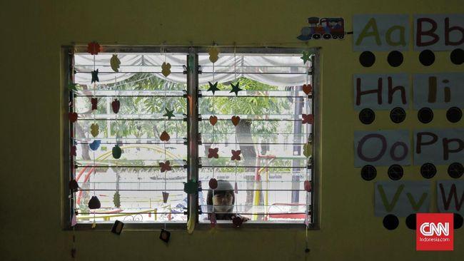 Salah satu TK di Cipayung, Jakarta Timur, mendapat teguran tertulis lantaran menggelar belajar tatap muka saat PPKM Level 4.