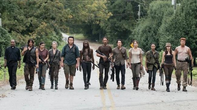 Pertarungan Dramatis di Trailer Musim Terakhir Walking Dead