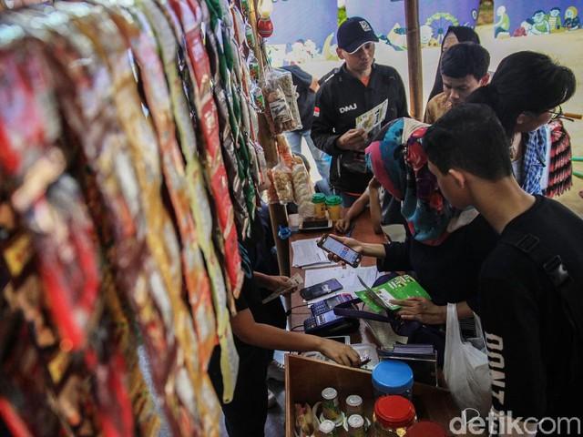 Menkop dan UKM Buka Festival Warung Nusional