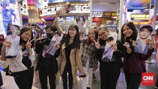 Ratusan penggemar antusias menyambut penampilan boyband NCT Dream di perayaan HUT ke-18 Transmedia.