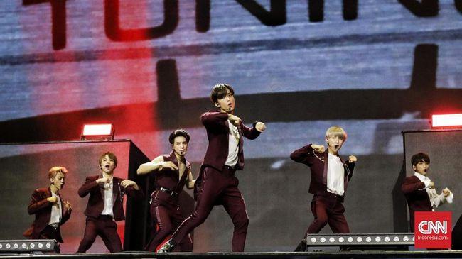 NCT Dream menggebrak panggung HUT 18 Transmedia lewat tembang 'Go'.