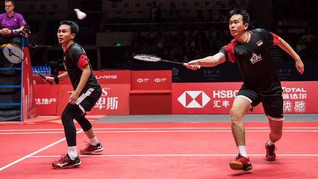 Mohammad Ahsan/Hendra Setiawan gagal ke semifinal Yonex Thailand Open 2021 usai kalah dari Choi Solgyu/Seo Seung Jae 16-21, 19-21.