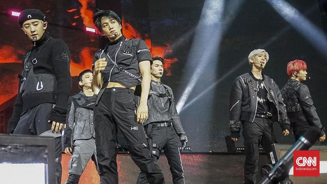 Boyband EXO akan segera kembali dengan karya-karya terbarunya dalam album berjudul Don't Fight the Feeling.