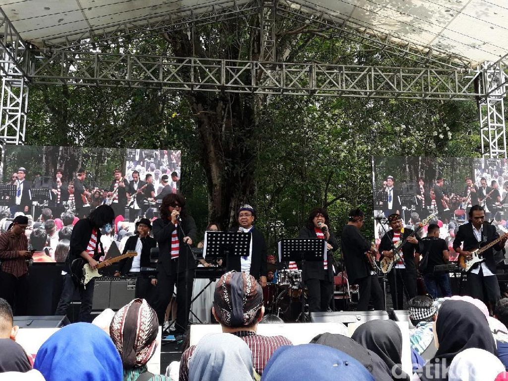 Elek Yo Band Meriahkan Nitilaku UGM