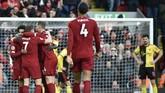 Liverpool menang 2-0 atas Watford pada lanjutan Liga Inggris di Anfield lewat dua gol kaki kanan winger asal Mesir Mohamed Salah.