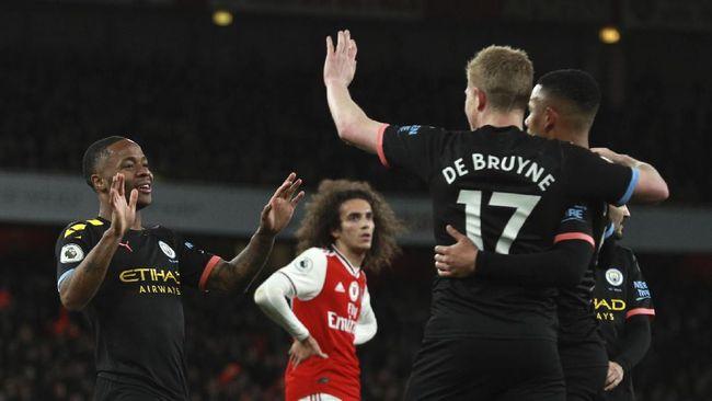Manchester City unggul 3-0 atas Arsenal pada babak pertama yang berlangsung di Stadion Emirates, London, Minggu (15/12) malam WIB.