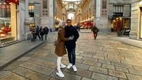 Italia dipilih menjadi tempat bulan madu karena ada lokasi-lokasi yang ingin Citra dan Rezky kunjungi, Bunda. (Foto: Instagram @thereal_rezkyadhitya)