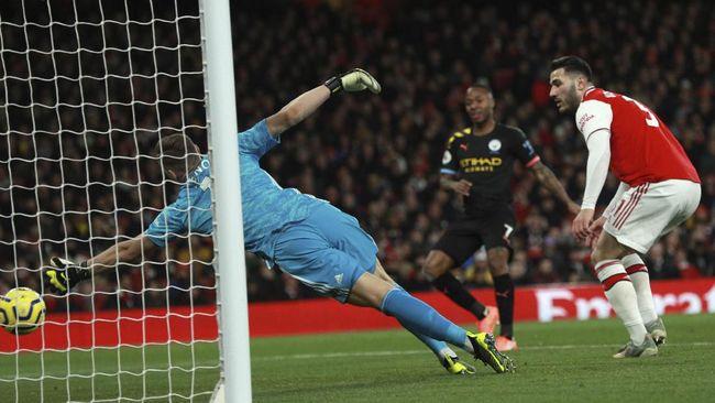 Manchester City menang 3-0 atas Arsenal dalam laga pekan ke-17 liga Inggris di Stadion Emirates, Minggu (15/12) malam WIB.