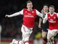 Ozil Tersenyum dan Arsenal pun Menang