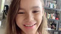 Chloe memiliki wajah yang cantik dan ceria. Ia mewarisi wajah bule dari sang ayah dan wajah Indonesia dari sang ibu. (Foto: Instagram @melaney_ricardo)